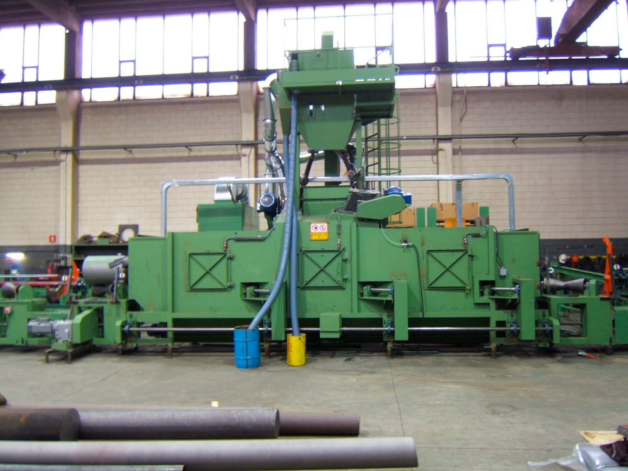Carbon steel pipe outside blasting machine