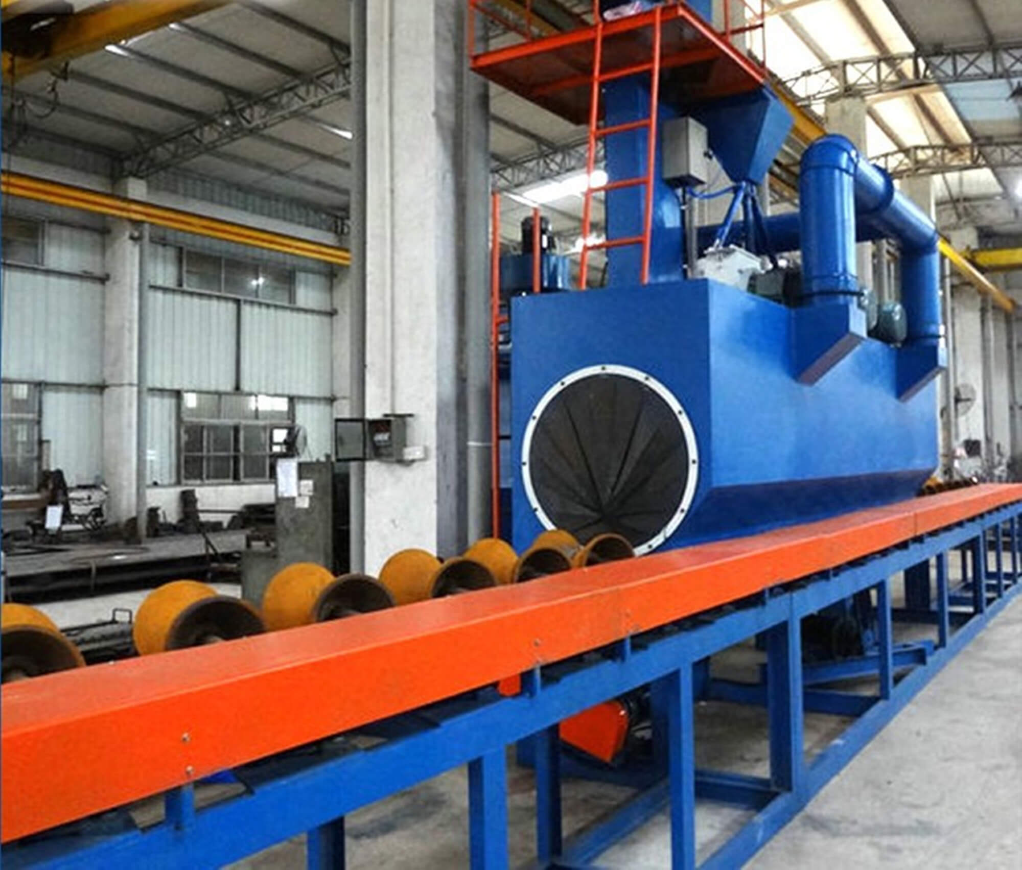 Steel pipe outside blasting machine